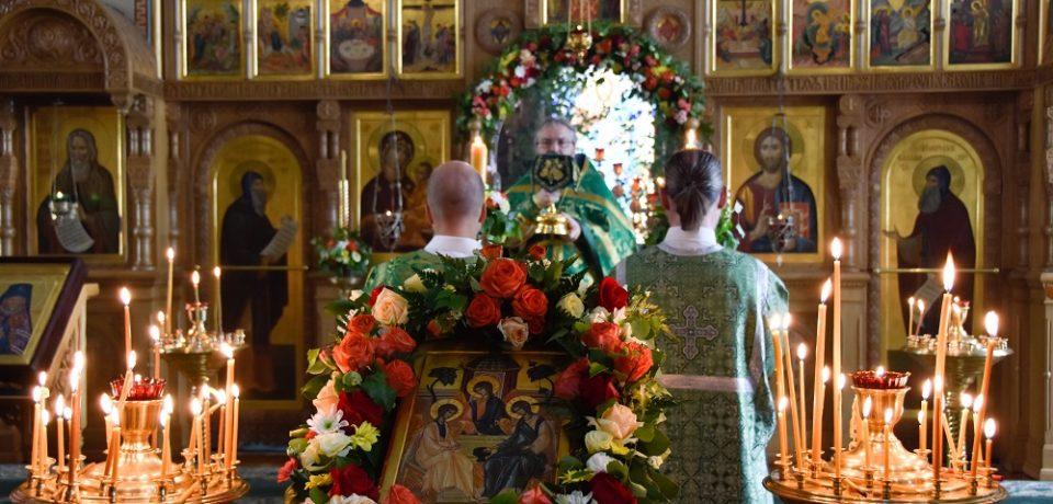 ФОТОАЛЬБОМ: Праздник Пятидесятницы на Московском подворье Валаамского монастыря