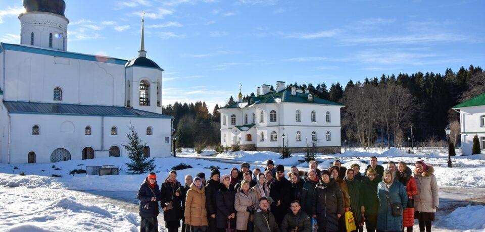 ФОТОАЛЬБОМ: Паломничество прихожан подворья в Псков и Печоры