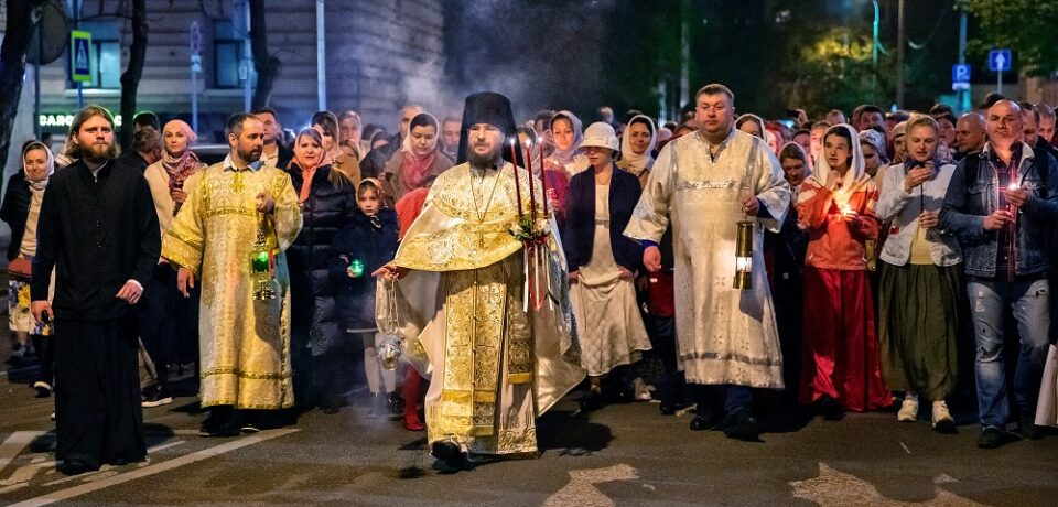 ФОТОАЛЬБОМ: Пасха Христова на подворье в объективе Павла Блохина